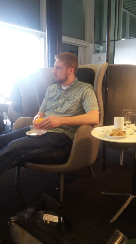 enjoying-the-cph-lounge